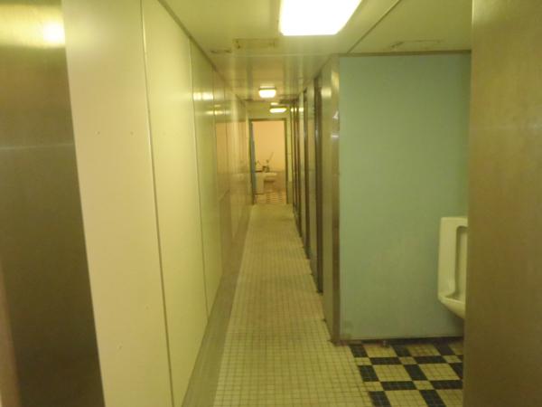 さるびあ丸 男子トイレ