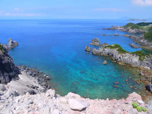 式根島カンビキ岬からの眺め
