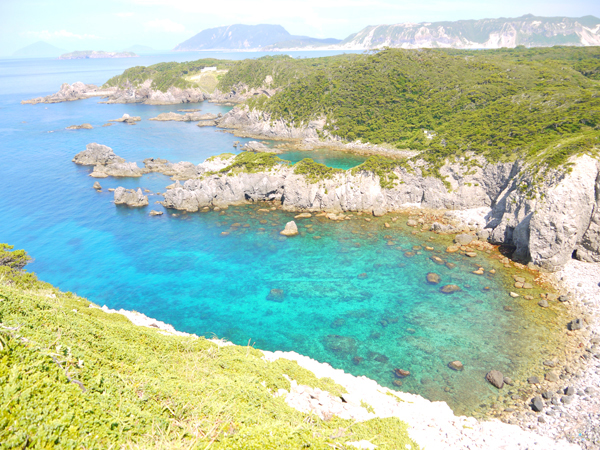 式根島カンビキ岬からの眺め2