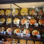 江ノ島神社参道の飲食店 ディスプレー1