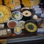 江ノ島神社参道の飲食店 ディスプレー2