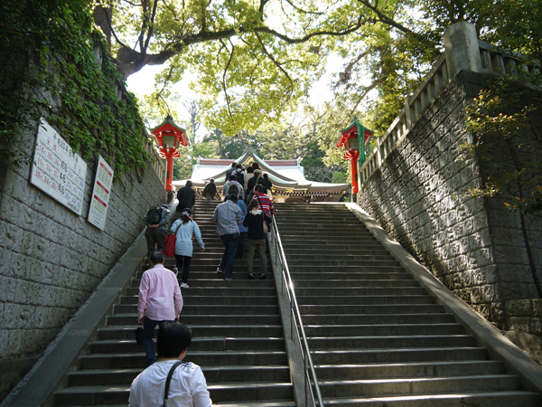 辺津宮の前の階段