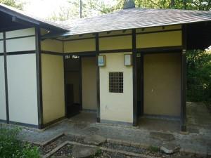 龍野ヶ岡(龍恋の鐘)の入り口のトイレ
