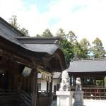 一宮浅間神社 本堂斜め横から