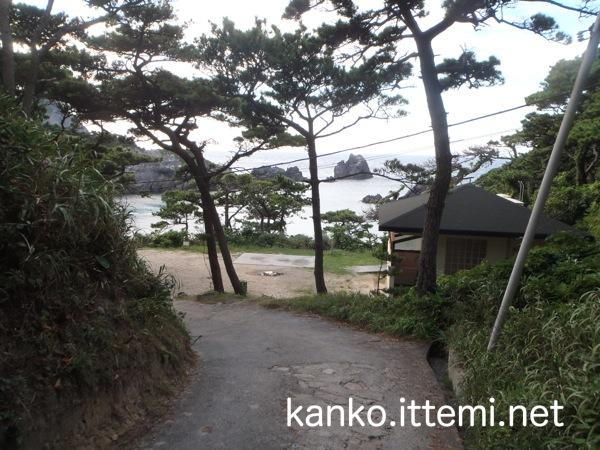 中の浦海水浴場の小道2